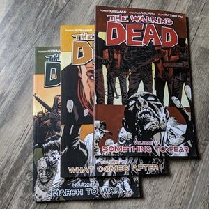 THE WALKING DEAD VOLUMES 17-19 BUNDLE